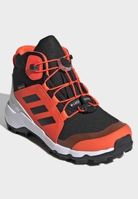 adidas Performance - TERREX MID GTX UNISEX - Hiking shoes - cblack/cblack/solred - 2