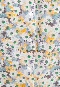 ONLY - ONLTAMMIE FLOWER - Print T-shirt - white - 2