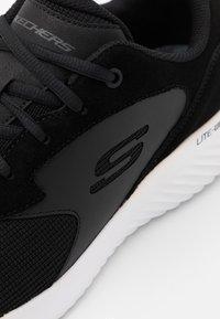 Skechers - BOUNDER CAUGHT UP - Baskets basses - black - 5