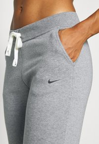 Nike Performance - DRY GET FIT  - Pantalones deportivos - carbon heather/smoke grey - 4