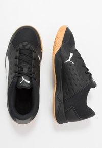 Puma - AURIZ UNISEX - Multicourt tennis shoes - white/black - 2
