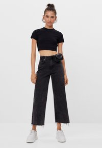 Bershka - Džíny Straight Fit - black denim - 1