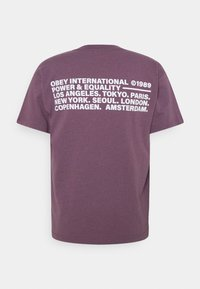 Obey Clothing - POWER AND EQUALITY - Printtipaita - mauve - 1