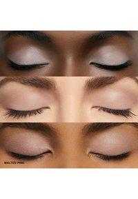 Bobbi Brown - LONG WEAR CREAM SHADOW STICK - Eye shadow - malted pink - 2