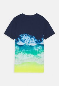 Abercrombie & Fitch - PHOTOREAL ALL OVER - T-shirt z nadrukiem - navy - 1
