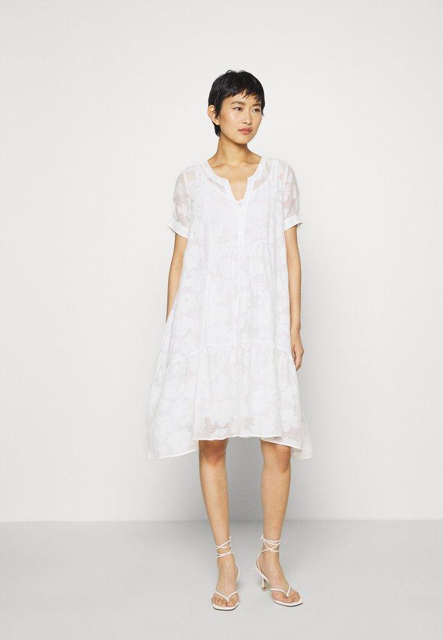 MILA MIDI DRESS - Kjole - white alyssum