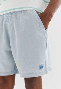 PULL&BEAR - Denim shorts - light blue - 4