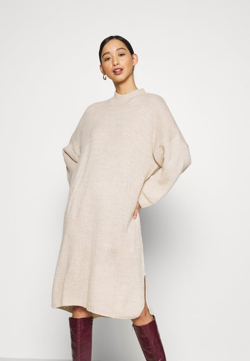 Monki - MALOU DRESS - Strikket kjole - beige light