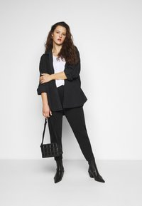 Cotton On Curve - CURVE LONGLINE  - Button-down blouse - washed black - 1
