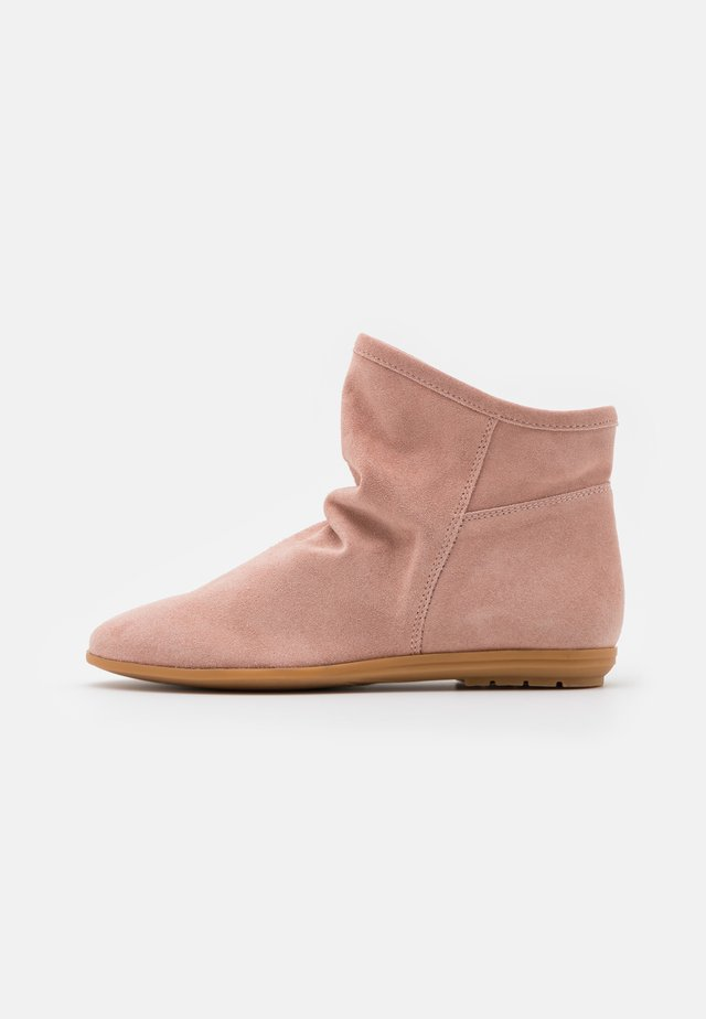 Classic ankle boots - powder