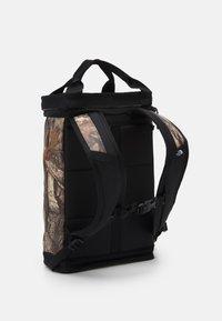The North Face - EXPLORE FUSEBOX UNISEX - Rucksack - kelp tan/black - 1