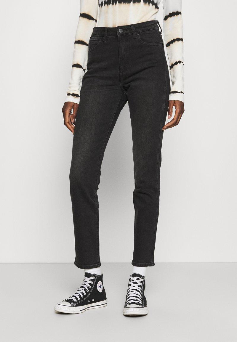Wrangler - RETRO - Jeans slim fit - black track