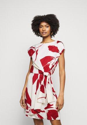 LOGGIA - Vestido informal - paglia