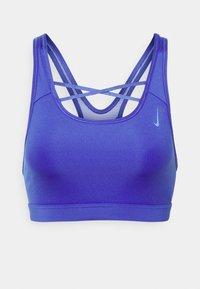 Nike Performance - STRAPPY BRA - Reggiseno sportivo con sostegno medio - lapis/sapphire - 0