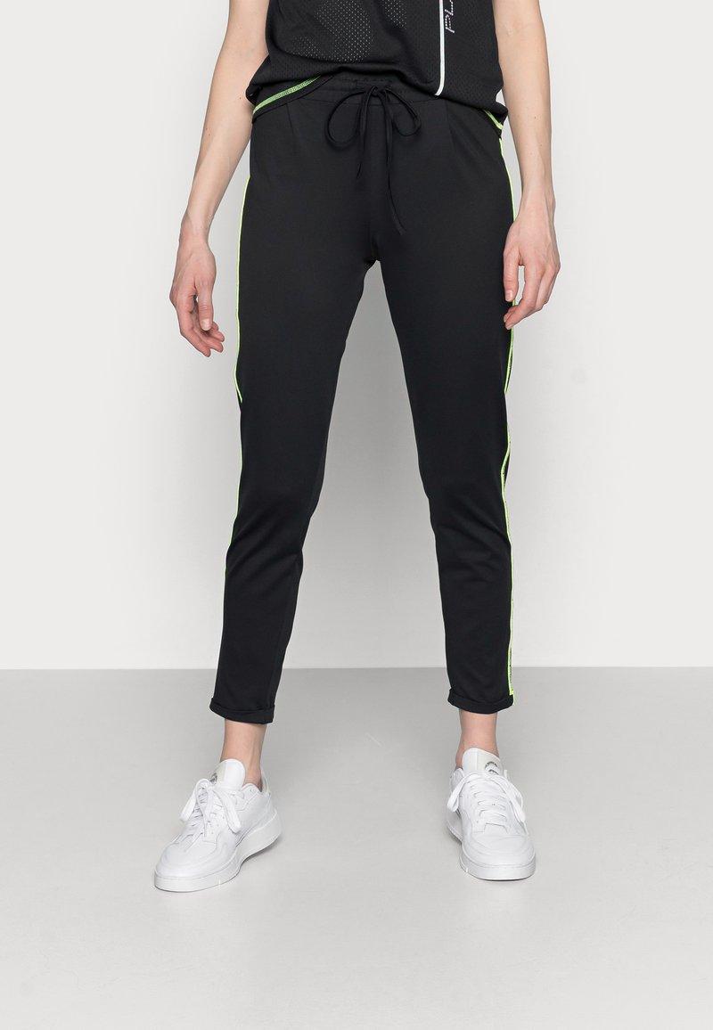 ONLY PLAY Tall - ONPADOR PANTS - Leggings - Trousers - black