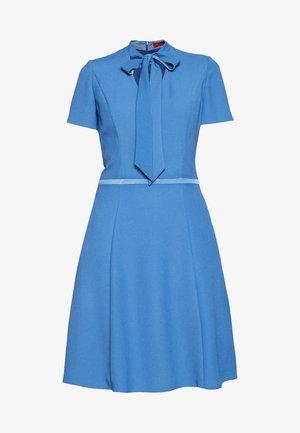KEVARI - Cocktailklänning - bright blue