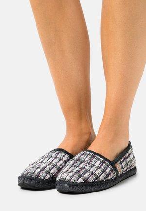 PANTOUFLE  - Pantofole - multicolor