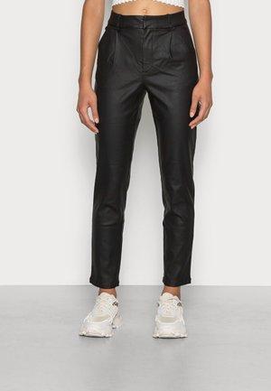 JDYNEWTHUNDER CHINO COATED - Trousers - black