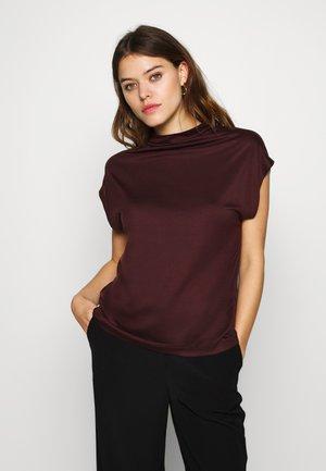 NAMIRA - T-shirt basic - rot