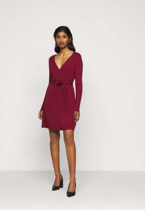 VMKARISARA WRAP DRESS - Neulemekko - cabernet