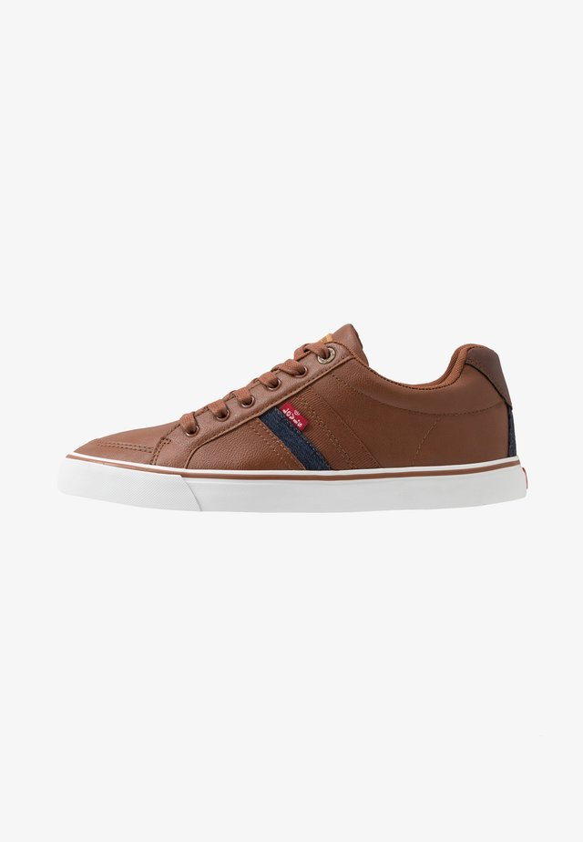 TURNER - Sneakers laag - brown