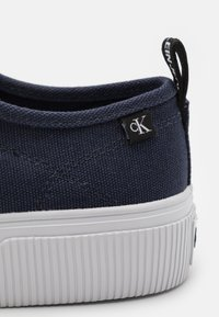 Calvin Klein Jeans - SKATE OXFORD - Matalavartiset tennarit - night sky - 5