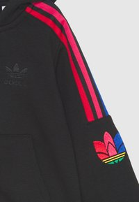 adidas Originals - TREFOILHOOD SET - Tracksuit - black - 3