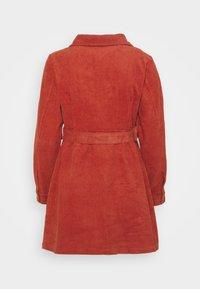 Glamorous Petite - LADIES DRESS - Robe d'été - burnt orange - 1