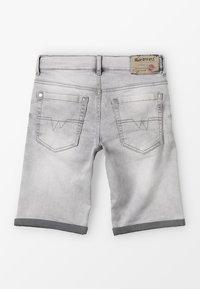 Blue Effect - BOYS BASIC - Denim shorts - grey medium - 1