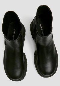 PULL&BEAR - Platform ankle boots - black - 2