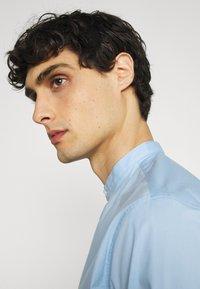 Selected Homme - SLHSLIMBROOKLYN  - Shirt - light blue - 3