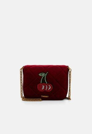 Across body bag - rosso venezi