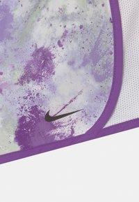 Nike Sportswear - SKYDYE TEMPO  - Short - purple chalk - 2