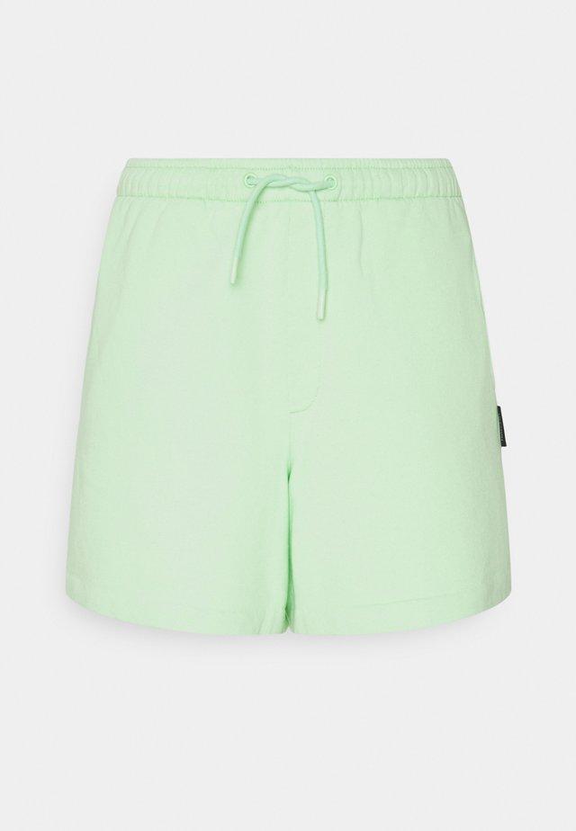MULAN - Short - light green