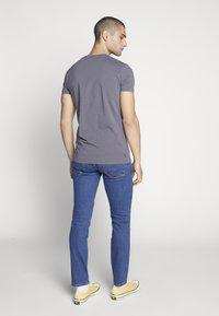 Wrangler - LARSTON - Slim fit jeans - best rocks - 2