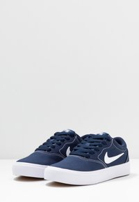 Nike SB - CHARGE - Sneakers laag - midnight navy/white - 3