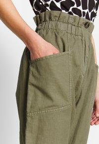 Pepe Jeans - LIA - Spodnie materiałowe - thyme - 3