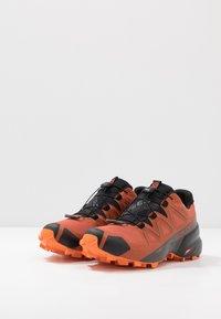Salomon - SPEEDCROSS 5 GTX - Chaussures de running - burnt brick/black/exuberance - 2