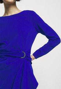 DKNY - Robe en jersey - sapphire - 4