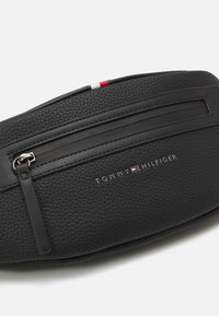 Tommy Hilfiger - ESSENTIAL CROSSBODY UNISEX - Bum bag - black - 4