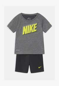 Nike Sportswear - RAGLAN SET  - Triko spotiskem - black - 0