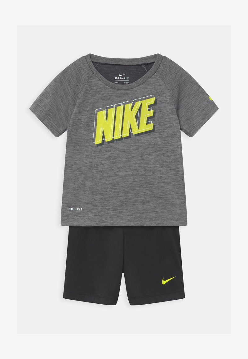 Nike Sportswear - RAGLAN SET  - Triko spotiskem - black