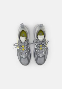 Nike Sportswear - AIR MAX GENOME - Sneakers - grey fog/high voltage-particle grey-white - 3