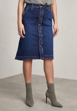 A-line skirt - mid blue
