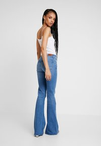 Lee - BREESE - Flared Jeans - jaded - 2