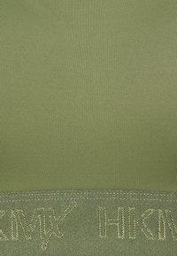 Hunkemöller - THE ALLSTAR - Urheiluliivit: korkea tuki - four leaf clover - 3