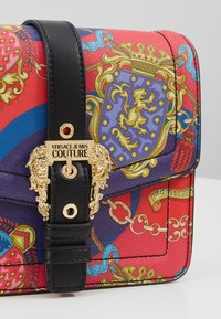 Versace Jeans Couture - PRINTED SHOULDER BAG BAROQUE - Across body bag - multicolor - 3