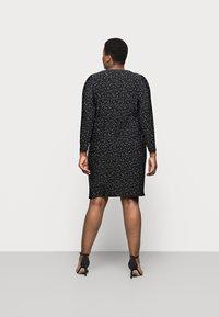 Evans - POLKADOT PLEATED DRESS - Denní šaty - black - 2