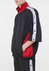 Bershka - Summer jacket - black - 3