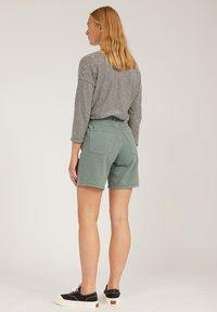 ARMEDANGELS - FREYMAA UNDYED - Shorts - eucalyptus green - 2